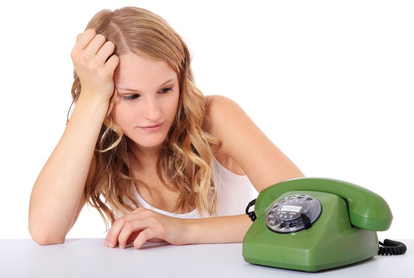 почему мужчина при знакомстве берет телефон и не звонит